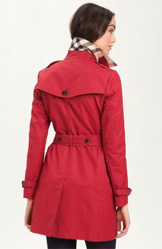 Red burberry trench. Want.