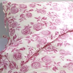EMELINA ROS duvet cover, 100% satin-woven lyocell. Designer: Inga Leo This is one of my favorites, it's so soft-silky!