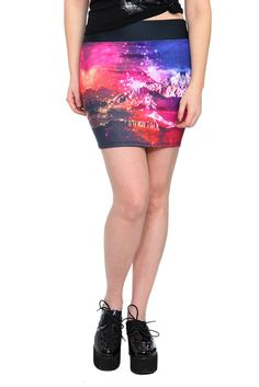 galaxy landscape skirt... and those shoes c;