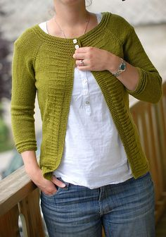 Ravelry: Project Gallery for Vanadium pattern by Lisa Mutch Need to put this on the list!