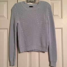 H&M Basic Sweater Super cute light blue crew neck sweater from H&M in great condition. This is a heavier weight sweater and it is perfect for fall or winter! It's super cute with dark jeans! It is an xs but it fits a little snug! The price is negotiable so feel free to make an offer! H&M Sweaters Crew & Scoop Necks