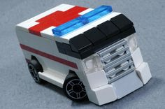 Check out this awesome collection of micro LEGO... - The LEGO collection