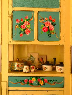 "@ lasvidalas: Roperito ""Roses"" - hand painted kitchen cupboard"