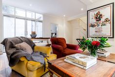 This house used to be a famous recording studio in the 1960s and hosted bands such as The Who! Now a spacious 3 bedroom house, this home is located in the heart of Chelsea.