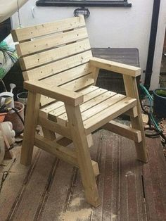 Fun Wood Furniture Plans Tips; Uncovering Speedy Programs For DIY Woodworking - Milton Asher Homemade Outdoor Furniture, Pallet Patio Furniture, Diy Furniture Couch, Diy Chair, Furniture Projects, Rustic Furniture, Wood Projects, Furniture Online, Luxury Furniture