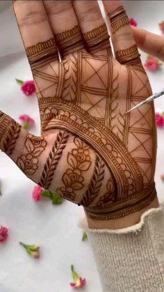 Henna Tattoo Designs Simple, Latest Bridal Mehndi Designs, Full Hand Mehndi Designs, Stylish Mehndi Designs, Henna Art Designs, Mehndi Designs For Beginners, Mehndi Design Photos, Wedding Mehndi Designs, Mehndi Designs For Fingers