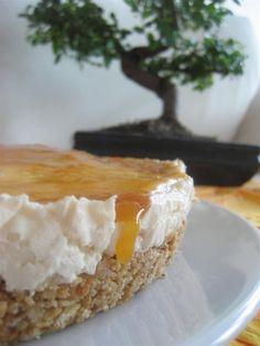 """Diamo il benvenuto su Honestcooking.it a Costanza e Francesco e alle loro """"Dolci Ricette"""". Qui ci presentano una fantastica cheesecake alle albicocche."""