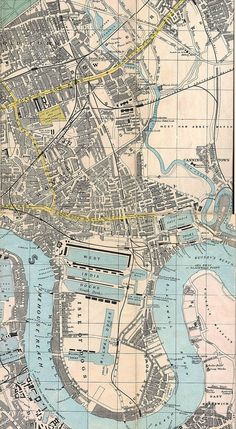 "1882 - ""Reynolds New Map of London and Suburbs"""