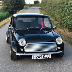 Top Minis through the years - Mini Owners Club Classic Mini, Classic Cars, Austin Mini, Mini Car, Mini Coopers, Hot Rides, Retro Cars, One Day, Black Is Beautiful