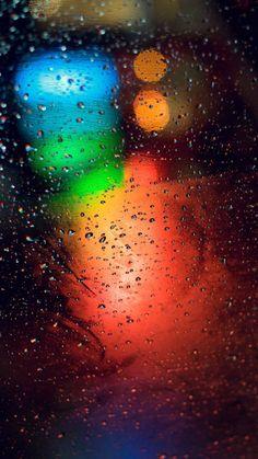 Este fondo de pantalla es ideal para aquellos que disfrutan con los días de lluvia.