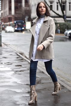 Minimal winter outfits UK blogger