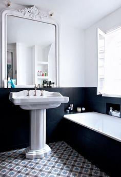 mid century modern bathroom decor black and white half wall antique mirror Bathroom Renos, White Bathroom, Bathroom Interior, Master Bathroom, Charcoal Bathroom, Bathroom Remodeling, Master Baths, Minimal Bathroom, Mirror Bathroom