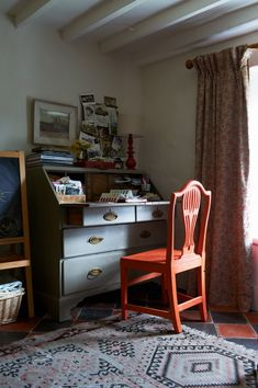 traditional home office in period home Country Living Magazine, Home Board, Curtain Designs, Red Interiors, Maine House, Interior Design Inspiration, House Painting, Home Projects, Living Spaces