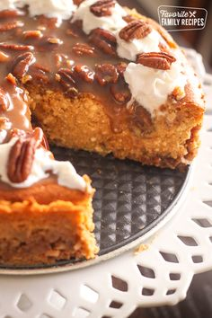 are no words to describe how decadent, how delicious this Pumpkin Cheesecake with Praline Pecan Topping is. This recipe takes 3 of my favorite holiday desserts and combines them into one. pumpkin pie, cheesecake, and pecan pie. Köstliche Desserts, Holiday Desserts, Delicious Desserts, Dessert Recipes, Awesome Desserts, Thanksgiving Desserts, Baking Recipes, Yummy Food, Pumpkin Cheesecake Recipes