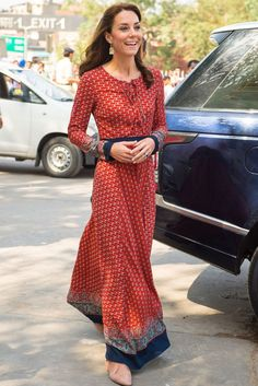 344a71154ddb Kate Middleton Wears Russell   Bromley And L.K. Bennett In India