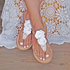 Handmade leather wedding sandals with white handmade suede roses, lace, south sea shell pearls and high quality rhinestones. Leather Sandals, Sea Shells, Flip Flops, Handmade Items, Bride, Etsy, Shoes, Swarovski, Fashion
