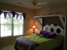 Kid's soccer bedroom, Love this for Camden.