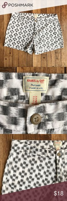"""Gap Shorts w/abstract Checkered Pattern EUC. No flaws to note. Lightweight cotton.  White with abstract black checks.  """"Khakis by GAP"""".  Approximate measurements taken with garment laying flat: waist 34"""", hips 46"""", rise 10"""", inseam 4"""". GAP Shorts"""