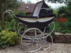 Royale of London advertised they made the worlds most beautiful baby carriage, they certainly did and are in my top I always find when you dismantle a pram, you can tell the quality by.