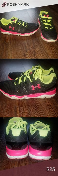 Under Armour Shoes Under Armour Shoes Black hot pink green EUC Size 7 Under Armour Shoes