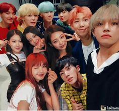 Find images and videos about bts, blackpink and bangtanpink on We Heart It - the app to get lost in what you love. Got7 Bambam, K Pop, Bts Blackpink, Divas, Blackpink Funny, The Ellen Show, Blackpink Memes, Kpop Couples, Foto Jimin