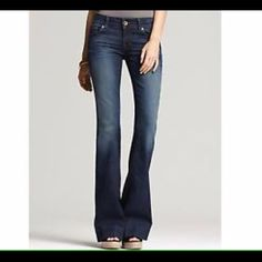 J Brand jeans Super cute J Brand flares. These are still in stores! Perfect condition!!❤️❤️ J Brand Jeans Flare & Wide Leg