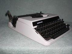 Mechanische Reiseschreibmaschine Adler Tippa  mechanical typewriter