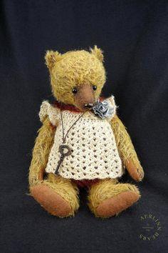 To Scarborough Fair Mohair Artist Teddy Bear Girl door aerlinnbears, $340.00