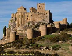 Castillo de Monzón y Loarre,  Loarre, Huesca. Spain....    http://www.castlesandmanorhouses.com/photos.htm   ...    The Loarre castle complex was built largely during the 11th and 12th centuries, when its position on the frontier between Christian and Muslim lands gave it strategic importance.