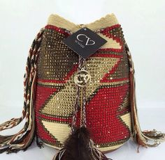 Marvelous Crochet A Shell Stitch Purse Bag Ideas. Wonderful Crochet A Shell Stitch Purse Bag Ideas. Tapestry Bag, Tapestry Crochet, Crochet Handbags, Crochet Purses, Crochet Bags, Crochet Shell Stitch, Knit Crochet, Mochila Crochet, Boho Bags