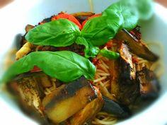Spaghettis aux tomates et aubergines rôties