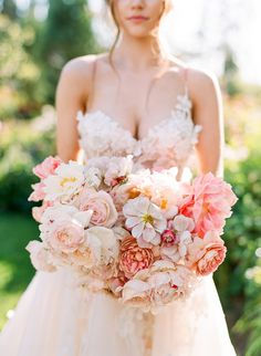 Pink lush bouquet without greenery and foliage, just flowers like english garden roses and peonies, perfect for a wedding with a pink rose and blush wedding color palette Peony Bouquet Wedding, Bridal Flowers, Floral Wedding, Wedding Colors, Bridal Bouquets, Blush Bouquet, Boquet, Flower Bouquets, Wedding Themes