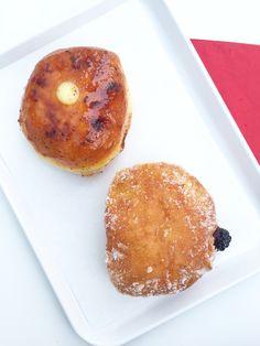 In Amsterdam opende onlangs Harewood Bakery, dé plek voor waanzinnige doughnuts…