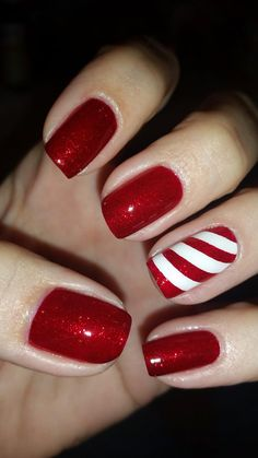 Christmas Gel Nails, Holiday Nails, Christmas Makeup, Christmas Nail Designs, Red Nails, Hair And Nails, Candy Cane Nails, Nagellack Design, Party Nails