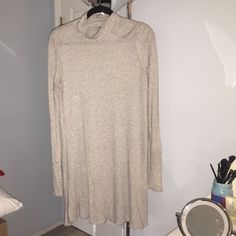 Free people tunic top Free people gray cowl neck tunic top. Size small. Lightly worn. Free People Tops Tunics