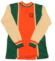 私の Etsy ショップからのお気に入り https://www.etsy.com/jp/listing/268710513/70s-vintage-cycle-jersey-made-in-france