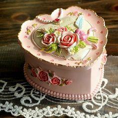 City Block Blooming Rose Heart Resin Jewelry Box Home Accessory,http://www.amazon.com/dp/B00IWK6UIG/ref=cm_sw_r_pi_dp_fZsltb03RR6TWRFY