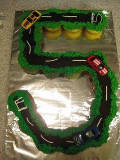 Race Car Cupcakes - Gwendolyn's Goodies