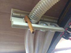 Sliding Dust Manifold Schiebestaubverteiler Source by . Woodworking Garage, Garage Tools, Woodworking Workshop, Garage Workshop, Woodworking Projects, Woodworking Equipment, Dust Collector Diy, Shop Dust Collection, Diy Shops