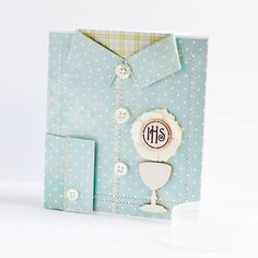 A boy's First Communion card: use pink or yellow or white with pearl neckline and it's a girl's card First Communion Cards, Boys First Communion, Spinner Card, Baby Cards, Creative Cards, Paper Flowers, Wedding Cards, Cardmaking, Creations