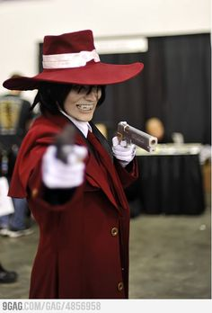 Alucard cosplay (hellsing) >> 8D *unleashes fangirl squee too high a frequency for human hearing and shatters all windows within three feet*