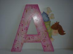 Letras de MDF pintadas com PVA