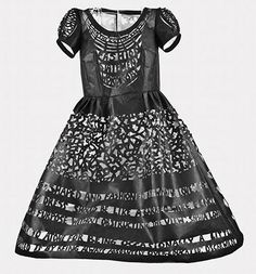"Beatrice Coron, ""Fashion Statement"", cut Tyvek artist book, edition of 4 Coron, Fairytale Fashion, Paper Cutting, Cut Paper, Paper Art, Art Costume, Paper Fashion, Period Outfit, Dress Cuts"