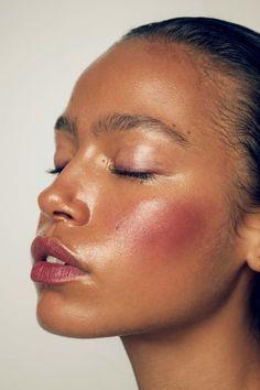 Best Makeup Beauty Editorial Dewy Skin Ideas Beste Make-up Beauty Editorial feuchte Haut Ideen Makeup Trends, Makeup Inspo, Makeup Art, Makeup Inspiration, Makeup Tips, Eye Makeup, Tan Skin Makeup, Blush Makeup, Makeup Style