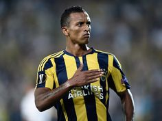 Super Lig game between Trabzonspor, Fenerbahce abandoned late on