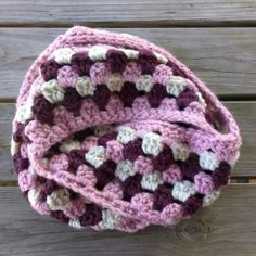 Crochet this bulky and fabulous infinity scarf to keep you super cozy this fall and winter.