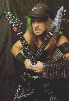 Yound Kerry King of Slayer with two of his BC RIch guitars. Heavy Metal Rock, Heavy Metal Bands, Hard Rock, Kerry King Slayer, Bc Rich Guitars, Reign In Blood, Metal Horns, Metal T Shirts, Extreme Metal