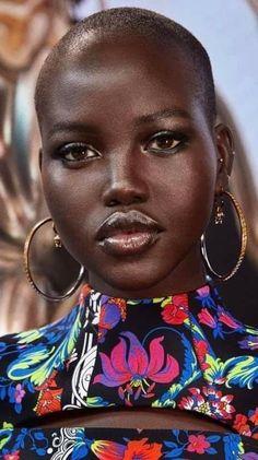Black Girl Art, Black Girl Magic, Black Girls, African Beauty, African Women, Beautiful Black Women, Beautiful People, Bald Hair, Dark Skin Beauty