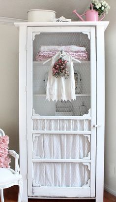 Shabby Story: DIY Projects ~ This is Recycled Screen Door and Chicken Wire