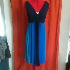 ??Calvin Klein gorgeous dress-NWOT?? This dress is brand new without tags. I ship quick and love REASONABLE offers. Smoke and pet free, ?NO TRADES? Calvin Klein Dresses